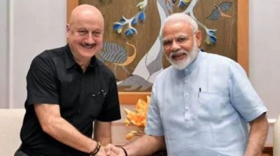 Anupam Kher turns excited on meeting PM Modi