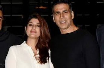Akshay-Twinkle's vacation gets cancelled due to Mumbai's condition!