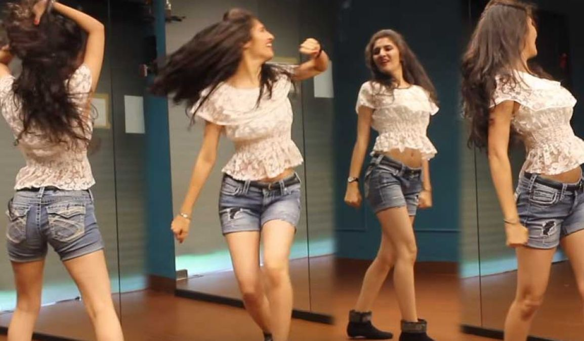 This girl robbed the heart of the whole social media, You'll be amazed to see her dance!