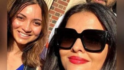 Aishwarya-Abhishek Take Selfies with Fans on The Streets of America