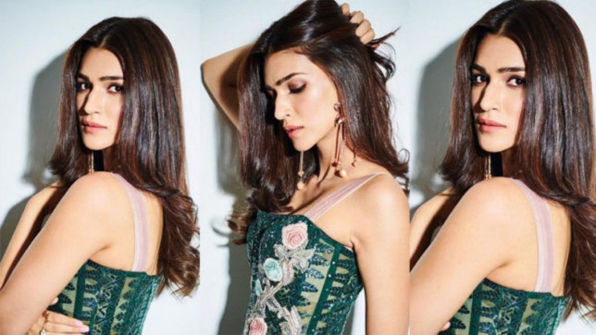 Kriti Sanon's airpot look will steal your hearts, video goes viral