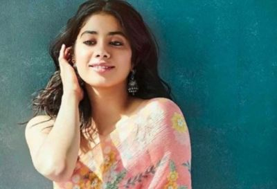Janhvi steals hearts of fans in her Sari look, Priyanka commented this