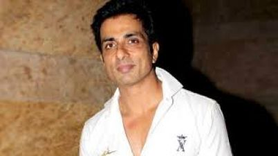 Sonu Sood became god for migrant labors, helps then to reach home