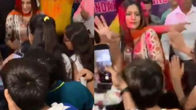 VIDEO: Sapna Chaudhary dances on her most famous songs with children!