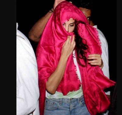 कैमरा देखते ही जैकलीन ने पिंक कलर के कपड़े से छिपाया अपना मुंह, देखें तस्वीरें