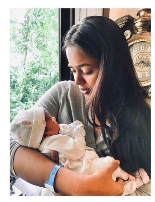 After delivery, Samira Reddy shares a picture, says,