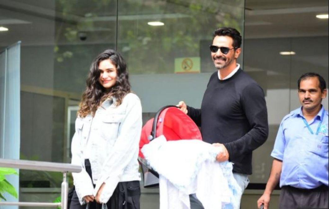 Arjun-Gabriela take their little guest home!