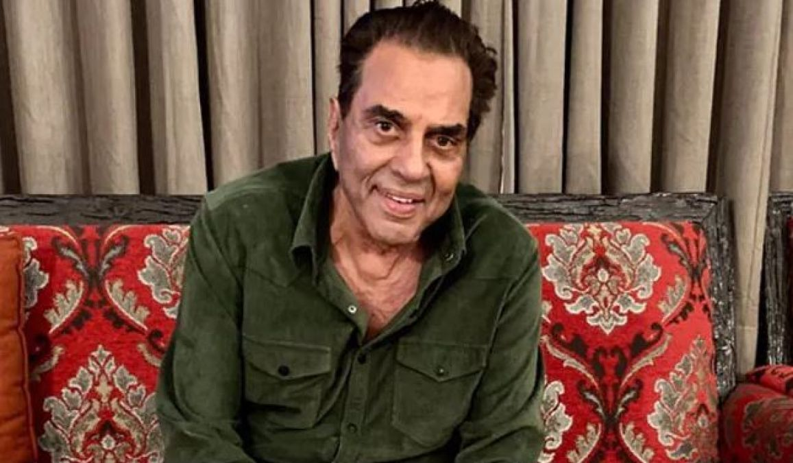 Dharmendra became Emotional, remembered Rajkumar and wrote this!