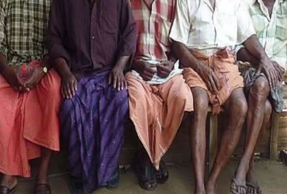 This man suffered a lot after wearing Lungi, went to have food and then!