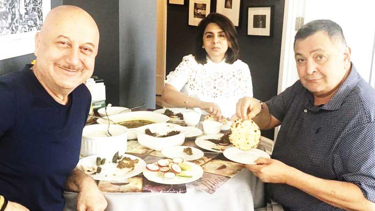 Rishi Kapoor, Neetu Singh Enjoy 'Great' Indian Food at Anupam Kher's House