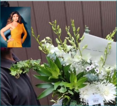 VIDEO: Fans are with Shilpa in her bad times, white bouquet kept outside the house