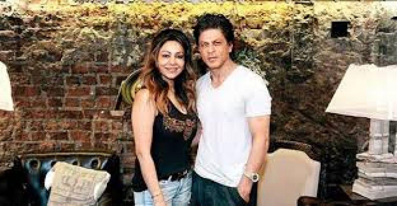 Shah Rukh-Gauri's old unseen photo went viral