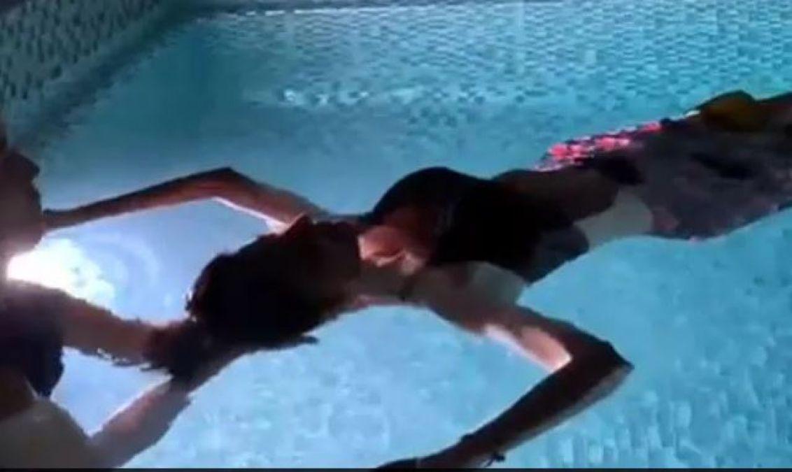 VIDEO : पानी के बीचोबीच उतरी शिल्पा शेट्टी, कहा- माँ की...'