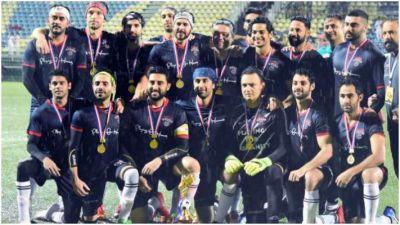 कारगिल विजय दिवस : शहीदों की याद में बॉलीवुड सेलिब्रिटीज ने बारिश में जमकर खेला फुटबॉल