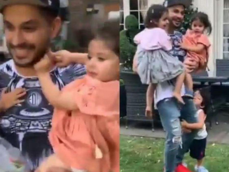 Video: इस वजह से कुणाल खेमू का पैर पकड़कर फूट-फुटकर रोये तैमूर, करीना को आ सकता है गुस्सा