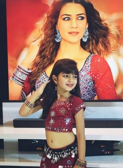 'Little Kriti Sanon' overshadows social media, people shocked to see video