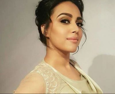 Swara Bhaskar Arrived At a Medical Store In Such a Condition, See Viral Photos!