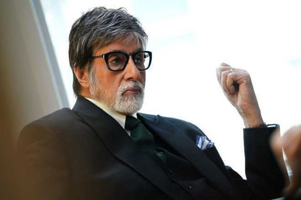 आखिरकार खुल गया वर्षों पुराना राज, कैसे 'श्रीवास्तव' से 'बच्चन' बन गए अमिताभ ?