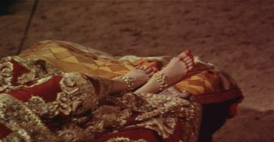Birthday: As soon as this actor saw Meena's feet, he was so obsessed that he used to forget the dialogue after seeing her!