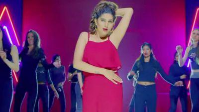 VIDEO: Haryanvi Beauty Sapna Chaudhary dances again!
