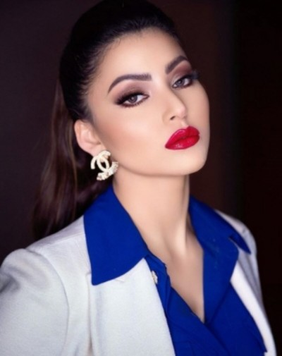 VIDEO: Urvashi Rautela got punched in stomach by man, actress suffer