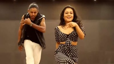 Neha Kakkar winks; her song touches 100 million views!