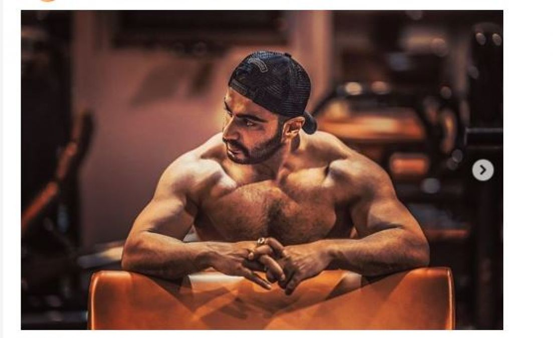 Arjun Kapoor's bulky body creates lots of buzz among his fans!