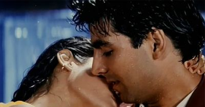 In the song 'Tip Tip Barsa Pani' recreate this actress to romance with Akshay!