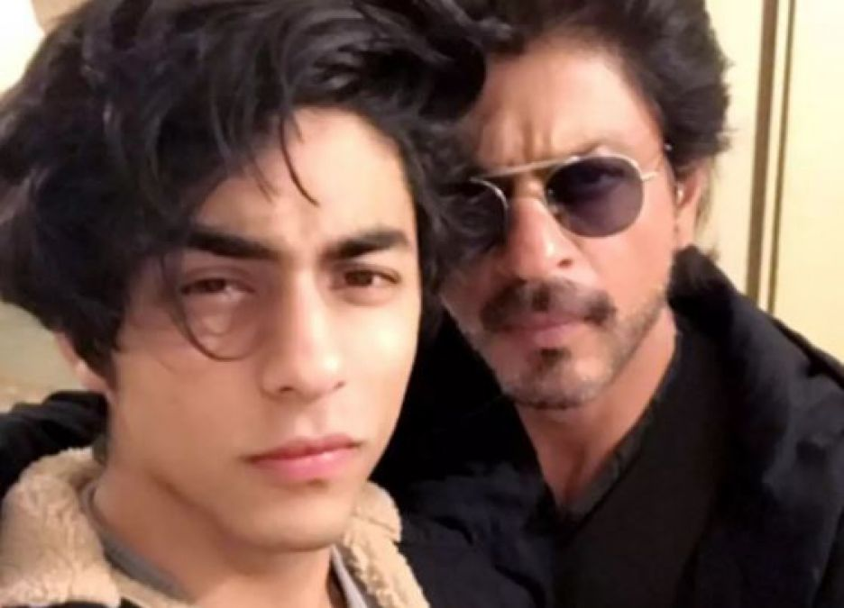 SRK's son Aryan khan to make Bollywood debut with his father