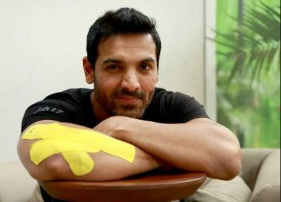 Injured John Abraham Will Soon Resume Shooting of 'Pagalpanti'