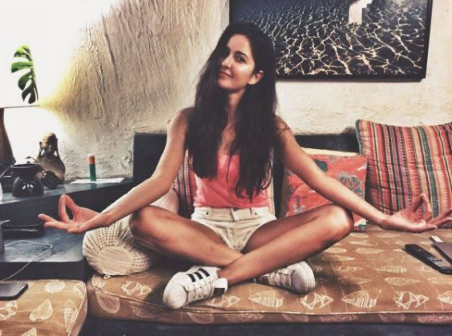 Katrina Kaif on 5th Yoga Day also appeared in yoga pose; photo viral!
