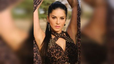 VIDEO: Sunny Leone's sexy video is extremely erotic!