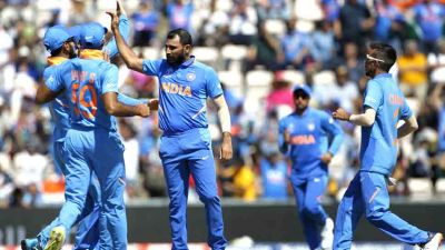 Sunil Gavaskar praises Shami, says he reminds Malcolm Marshall