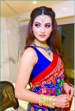 Urvashi Rautela looks beautiful wearing this much costly attire, you'll be shocked!