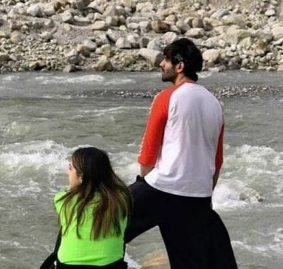 Karthik and Sara spending time together in the valleys of Himachal Pradesh