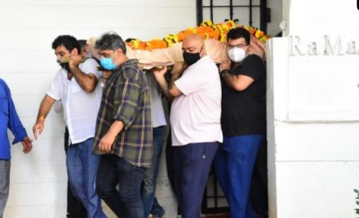 Body of Mandira Bedi's husband was taken for the last rites, the actress is also present