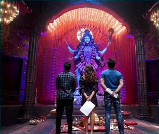 देवी काली का दर्शन करते नजर आए आलिया और रणबीर, तस्वीर वायरल