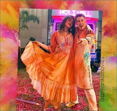Video: Nick Jonas did this work with Priyanka at Ambani's Holi party
