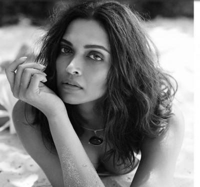 Ranveer Singh comments on Deepika Padukone's photo
