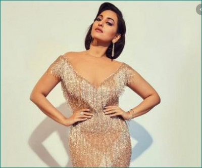 Sonakshi forcibly trolled due to Corona, gives befitting reply