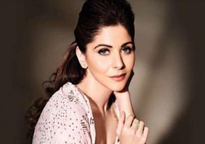 Corona Jihad starts on Twitter, Kanika Kapoor on target