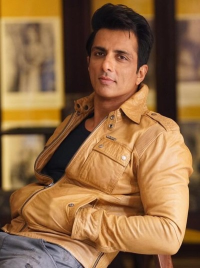 Sonu Sood takes help from this country after China, orders several oxygen plants