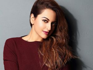Sonakshi Sinha adopts this path to help daily laborers