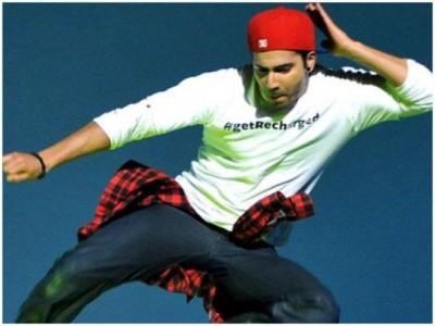 Varun Dhawan advised fans to wear masks through his dance, video viral