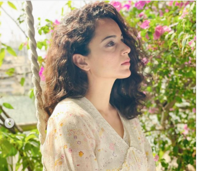 Kangana reached hometown and shared photoshoots, see photos