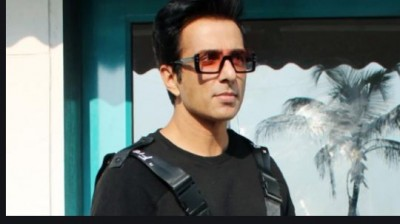 Sonu Sood warns migrant workers of impostors, shares screenshots of cheater's messages