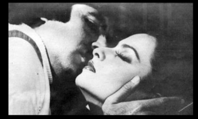 Jaya Bachchan cried after seeing romantic scene of Amitabh and Rekha