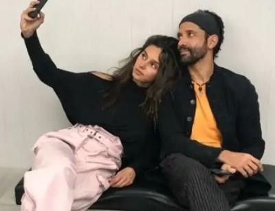 Farhan Akhtar makes music video with girlfriend Shibani in lockdown