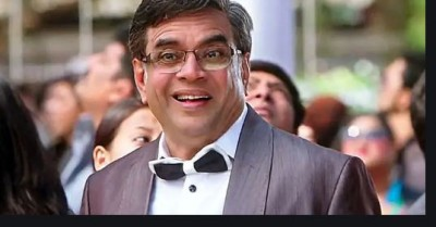 10 Hilarious dialogues of Paresh Rawal which will make you go ROFL
