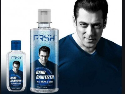 Salman Khan again wins hearts by donating hand sanitizers to the Mumbai Police